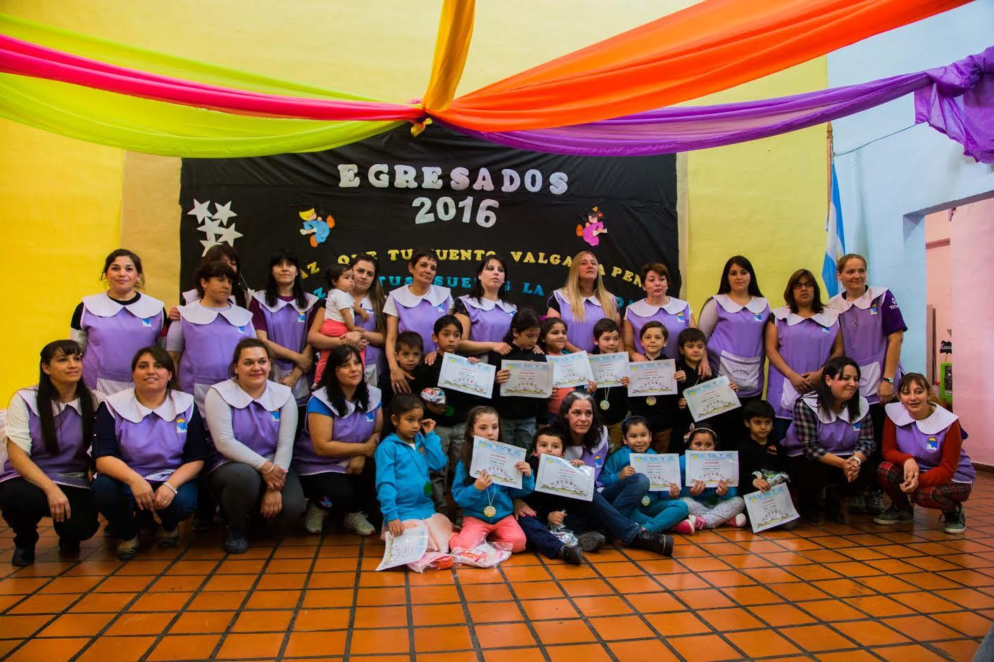 15 ni os egresaron del jard n maternal municipal for Jardin maternal unlp 2016